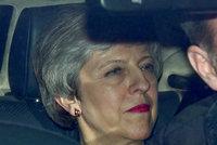 Mayová končí, premiérka už stanovila podmínku rezignace. Brexit bude bez ní