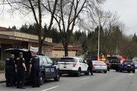 Šílenec střílel v Seattlu po autech. Dva lidi zabil, další vážně zranil
