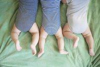 Máma se dvěma dělohami porodila v únoru chlapečka a v březnu dvojčata