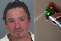 Namol opilý šofér chtěl přelstít policisty. Do úst si nastříkal deodorant