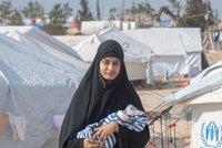 """""""Byla jsem jen hloupá holka,"""" tvrdí nevěsta ISIS a žadoní o návrat domů. V táboře se dívá na Přátele"""
