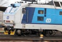Vlak srazil muže na Šumpersku. Zemřel na místě