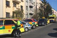 Chlapeček (2) v Praze 6 vypadl z okna! Byl při vědomí, případ šetří kriminalisté