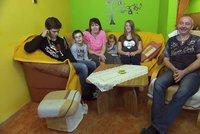 Teror ve Výměně manželek: Neuvěříte, co despotický otčím dětem přilepí izolepou!
