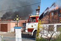 Plameny zasáhly malebný dvojdomek v Mnichově Hradišti. Způsobily milionové škody