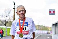 Nejstarší běžec půlmaratonu Jiří (81): »Běhám teď od manželky,« říká s nadsázkou