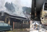 Pekelný požár autodílny na Vsetínsku: Pro zraněného majitele letěl vrtulník