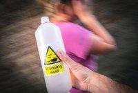 Otřesná pomsta v Krnově: Zhrzená žena polila milenku expartnera kyselinou!