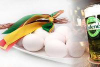 Drahá vejce i zelené pivo. Zelený čtvrtek přináší i velké nákupy a kontroly řidičů