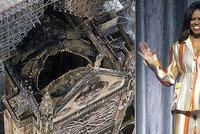 """Obamová po požáru Notre-Damu konejší Francouze: """"Zvládli jste i horší věci. Buďte silní"""""""