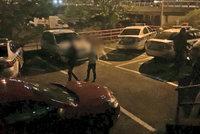 Únos dvou chlapců (9 a 14) v Praze? K babičce a dědovi sami utekli, policisté je našli na Žižkově