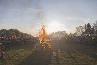 Pražské pálení čarodějnic se obešlo bez excesů. Hasiči vytáhli hadice pouze dvakrát