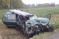Smrtelná nehoda na Olomoucku: O život přišla řidička, spolujezdec skončil v nemocnici