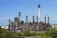 Česko odmítlo znečištěnou ropu z Ruska. Ropovod je na suchu, zásoby jsou na týden