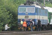 Na Blanensku zabil vlak chodce: Senior si přes koleje zkracoval cestu
