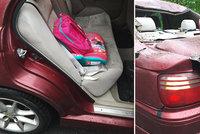 Na auto táty s dcerkou spadl u Pakova strom: Smrti unikla jen o kousek, místní se bojí