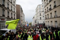 """""""Žlutým vestám"""" dochází dech: 25. pochod byl bez násilí, klesá i počet aktivistů"""