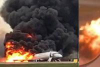 Záběry z ohnivého pekla, při němž zemřelo 41 lidí: Pasažéři plakali a křičeli! Uhořeli kvůli kufrům?