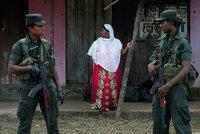 Krvavá dohra teroru na Srí Lance: Majitele obchodu zlynčovali, útoky na muslimy sílí
