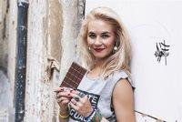 Za rok spořádá 76 kg čokolády. Degustátorka Šárka (32) má povolání snů. Jak pozná kvalitní kousek?