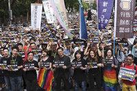 Revoluční zákon: Tchaj-wan jako první asijská země povolil sňatky homosexuálů