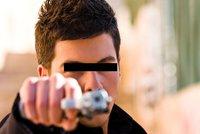 Vražda před domem: Dva muži se pohádali, mladší pak vystřelil!