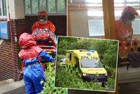 Ebola v Čechách? V nemocnici Na Bulovce cvičili příjem pacientky s vysoce nakažlivou nemocí