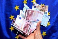 ONLINE Eurovolby 2019: Kdo dosáhne na tučné platy v Bruselu? Volit začali i Britové