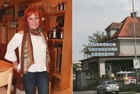 Musela pod kudlu! Zpěvačka Marcela Holanová skončila na operačním sále