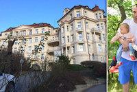 Operovali je mamince v bříšku! Dvojčata Evičku a Emičku (1) zachránili machři z pražského Podolí