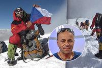 """Překračování mrtvých na Mount Everestu: """"V horách musíte mít pokoru,"""" říká český horolezec"""