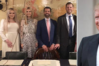 """Trump to schytal za své děti u královny. """"Obklopuje se princi"""" a Ivanka moc fotila"""