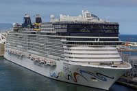 Turistka při cestě na Mallorku spadla z obří lodi. Ani vrtulník už ji nenašel