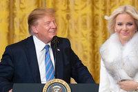 """Trump a Babišová slaví narozeniny. Premiér """"půjčil"""" Moniku do USA, smějí se Češi"""