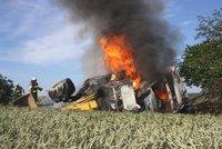 Strašlivá smrt v plamenech! Na Strakonicku uhořel šofér uvězněný v náklaďáku