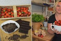 Anna (46) vyměnila účetnictví za džemy! Vaří je bez chemie, a třeba s čokoládou