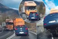 Kamion s prasklou pneumatikou vletěl do protisměru! Osobák odpálil do vzduchu