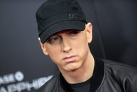 Rapper Eminem v slzách! Zemřel mu otec (†67), který ho prosil o odpuštění!