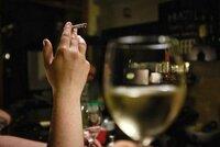 Bez popelníčku už i v Rakousku: Schválili tu zákaz kouření v restauracích