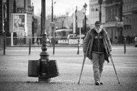Senior (62) po Opavě bloudil ve vedru několik dní: Pomohla mu městská policie