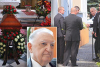 Pohřeb šéfa slušovického zázraku: S Čubou se loučil i Miloš Zeman