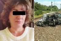 Auto Alžběty (†46) a Dariny (†30) na přejezdu smetl vlak! Zemřely jen pár metrů od domova