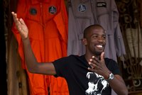 Muž (†30) se měl stát prvním africkým černochem v kosmu, ale zabil se na motorce