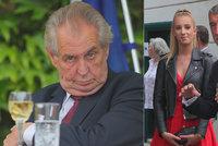 Babiš s dcerou Vivien usedli na recepci u Zemana. Ten se přeřekl, zaryl si a zapálil