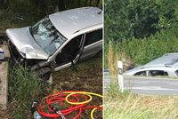 Smutná nehoda u Poděbrad: Žena (†92) zaklíněná v autě zemřela