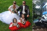 Čtyřčlenná rodina zemřela na přejezdu smrti: Už loni tu měly být závory, instalují je teď