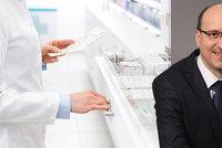 Z lékárníka logistikem? Chybějící léky hledáme i na facebooku, říká viceprezident komory