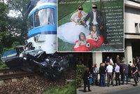 Pohřeb rodiny, kterou zabil na přejezdu vlak: Dojemný vzkaz do nebe!