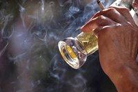 Kuřáci si v dovolenkovém ráji neškrtnou: Barcelona zakáže cigarety i na zahrádkách