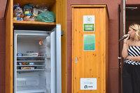 Neplýtvejte jídlem, dejte ho do sdílené lednice: Vzít si z ní může každý